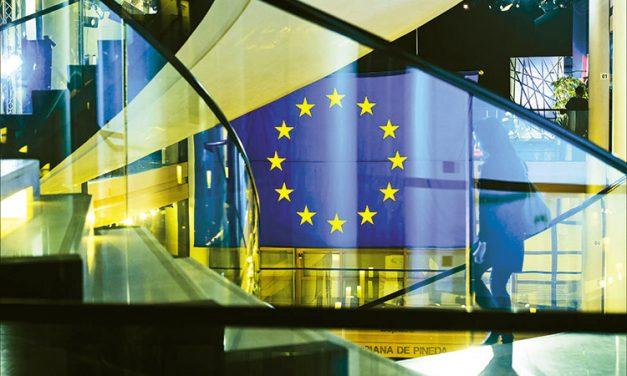 Ευρωπαϊκοί θεσμοί  και δημοκρατία