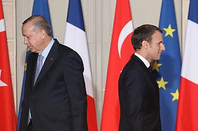 Η Γαλλία έρχεται ως «παγκόσμια δύναμη» να καλύψει τα «κενά» της Δύσης στη διεθνή σκηνή – Θα τα καταφέρει;
